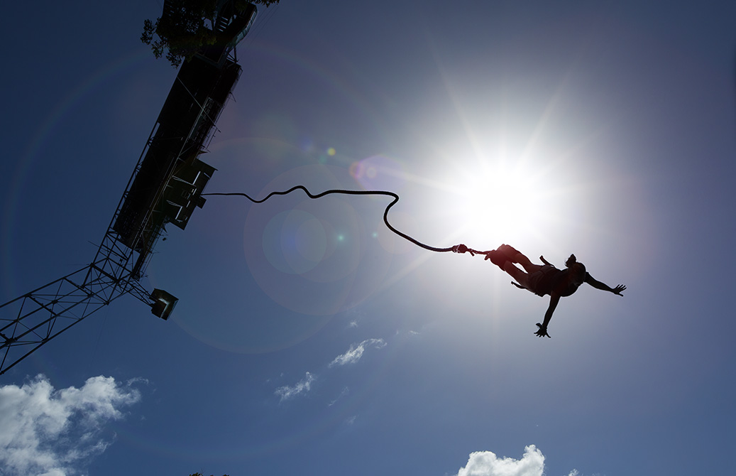 Bungy_Silhouette_AJHackett